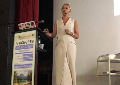 Predavanje dr Maje na IV Kongresu dermatovenerologa Crne Gore